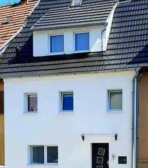Saniertes 4-Zimmer-Reihenhaus mit Einbauküche in Zazenhausen, Stuttgart von privat