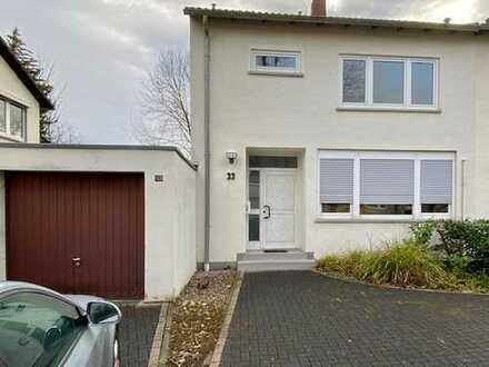 Schönes, geräumiges Haus mit vier Zimmern in Bonn, Bad Godesberg - Plittersdorf