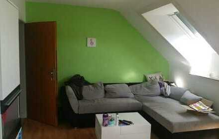 Ansprechende, modernisierte 3-Zimmer-Dachgeschosswohnung in Moers