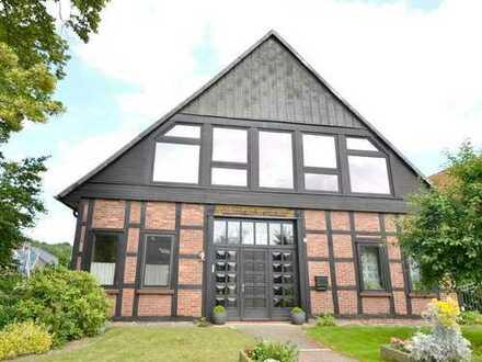 Außergewöhnliche 5-Zimmer-Eigentumswohnung im großzügigen Fachwerkhaus in Hagenburg