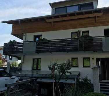 Attraktive 3-Zimmer-DG-Wohnung mit Balkon und EBK in Oberstdorf