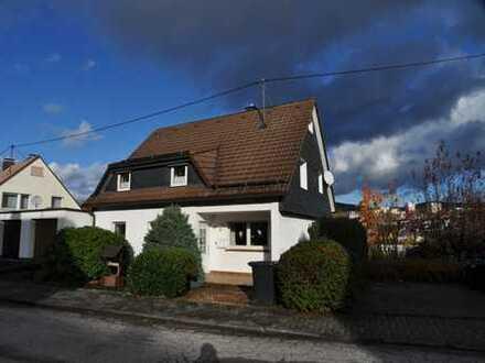 Solides, gut aufgeteiltes Einfamilienwohnhaus in sonniger Lage von Kreuztal OT Fellinghausen