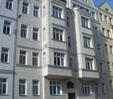 helle Familienwohnung mit Balkon, WG´s willkommen, ruhige Lage, Top-Zustand, tolles Haus..