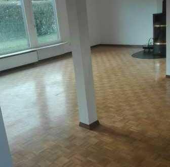 Sonnige 3-Zimmer-Erdgeschosswohnung mit Terrasse und EBK in Niefern-Öschelbronn