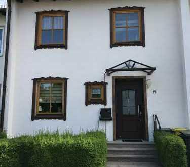 PROVISIONSFREI: Ruhiges Haus mit fünf Zimmern in Augsburg, Firnhaberau