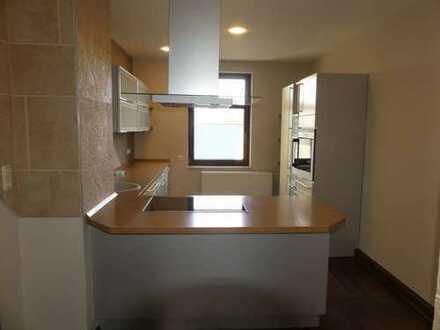 Modernisierte 3-Zimmer-Wohnung mit Einbauküche in Falkenstein