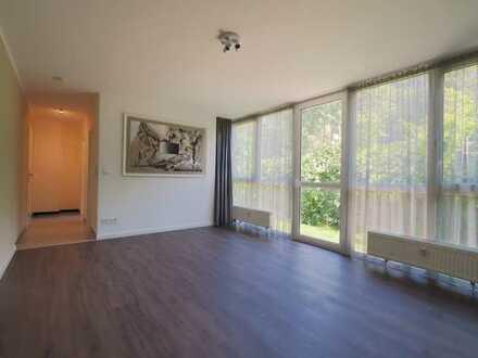 Garten-Wohnung: Edler 1-Zimmer-Traum + TG + Tageslichtbad + hochwertige EBK in FFM Eckenheim