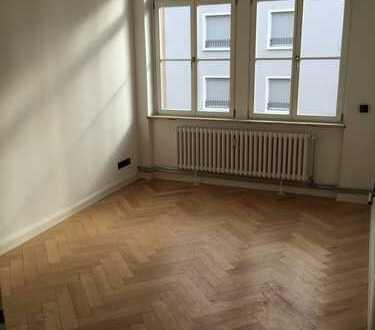 Schöne & sanierte 3-Zimmerwohnung zentral in Offenbach!
