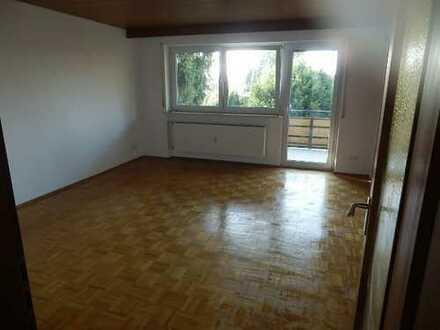 Provisionsfrei! Frisch renovierte 4 Zimmerwohnung von privat zu vermieten