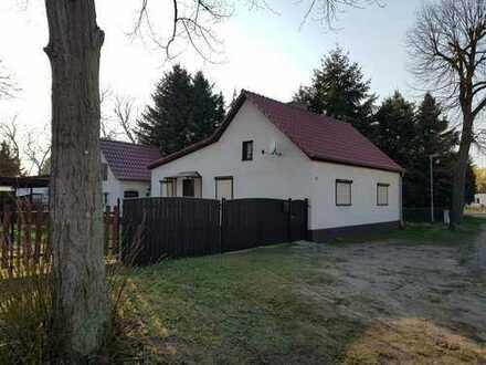 Schönes aktuell saniertes Haus mit 3,5 Zimmern in Briesen (Mark)