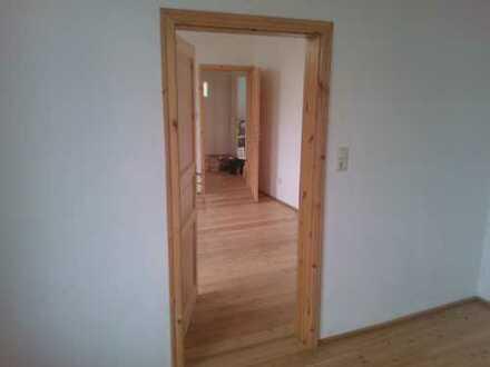 Modernisierte 3-Zimmer-Wohnung mit Terrasennutzung und Einbauküche in Weener