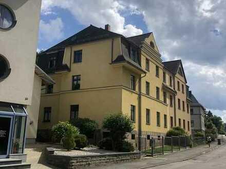 Wohnen in Greiz, 2 Zimmer, Wohnküche, Tgl. Duschbad, im EG mit einem schönem Ausblick