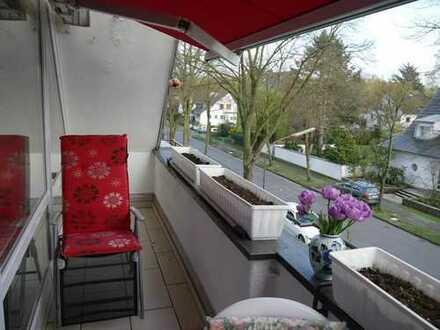 Dachgeschoß, vollflächig verglaster Giebel, Loggia, Marmorböden, ruhige Grünlage im Auenviertel!!!!