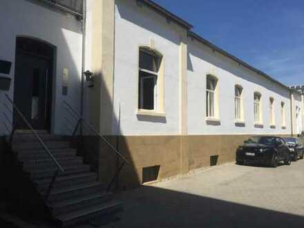 Zentrumnahe Büro- u. Lagerräume in ruhiger Innenblocklage in einem separaten Hinterhaus zu vermieten