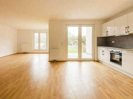 Genügend Platz für alle: Zuhause mit Einbauküche, Gäste-WC & zwei Terrassen