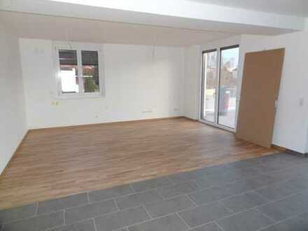 Erstbezug! Großzügige & helle 4-Zimmer Wohnung mit sonniger Terrasse (Parkett, 1.OG, Lift, TG) WE20