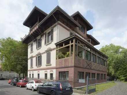 Stadtvilla im Süden * Individuelle 4-Zimmerwohnung in beliebter Wohnlage *