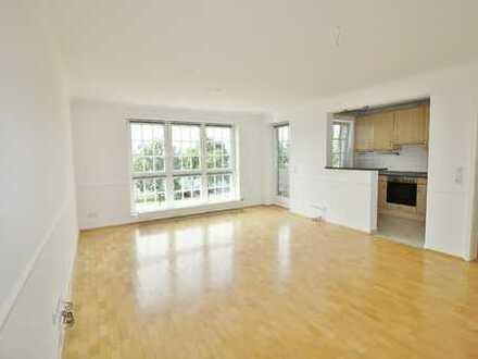 Gepflegte 2-Zimmer-Wohnung mit Balkon und EBK in Arsten