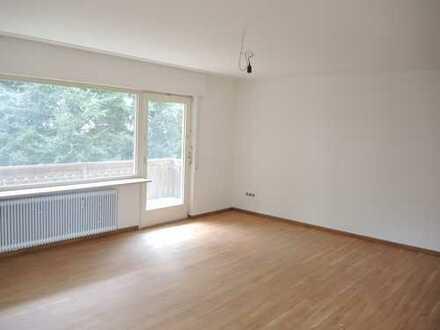 PF-Rodgebiet: Großzügige 3-Zimmerwohnung im Hochparterre mit Balkon