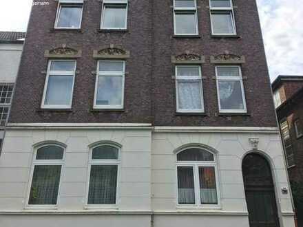 2-Zimmer-Wohnung im Altbau zu vermieten!