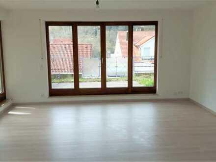 Erstbezug nach Sanierung: attraktive sonnige 2-Zimmer-Terrassenwohnung mit EBK und Balkon in Calw