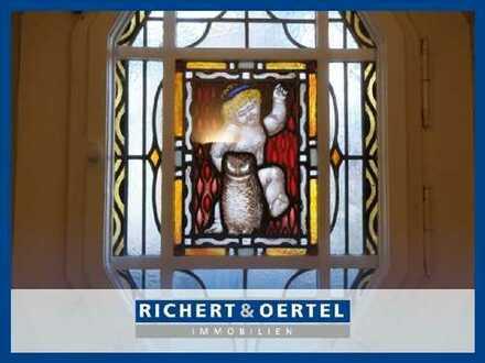 www.r-o.de +++ Exklusive 5-Zimmer-Wohnung in denkmalgeschützter Villa