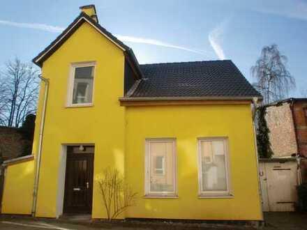 renovierungsbedürftiges Haus ohne Garten, zentral und ruhig gelegen