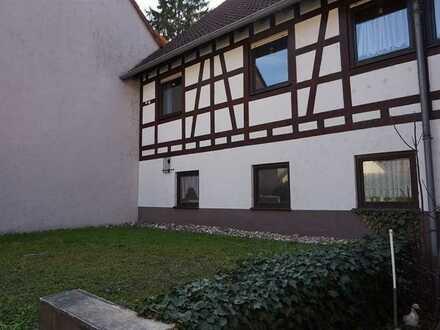 **Schönes Fachwerkhaus in Pfinztal-Berghausen** Perfekt für mehrere Generationen unter einem Dach!