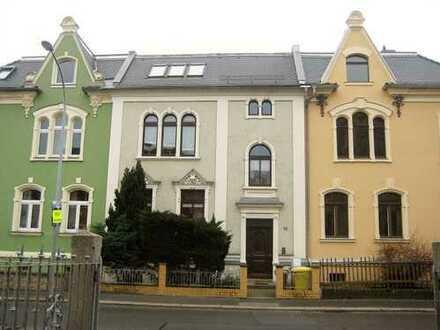 Günstige, geräumige und vollständig renovierte 2-Zimmer-Wohnung mit Balkon in Zittau