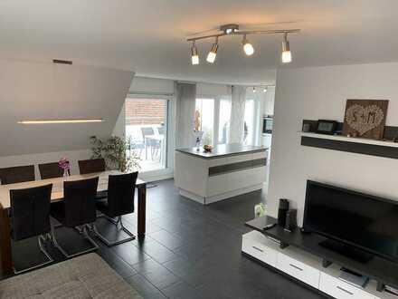 Stilvolle, neuwertige 4,5-Zimmer-Maisonette-Wohnung mit großer Dachterrasse in Herrenberg/Gültstein