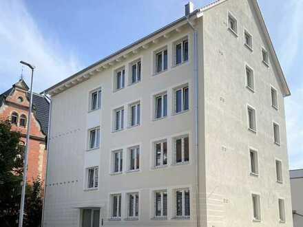 Erstbezug nach Sanierung: stilvolle 4-Zimmer-Wohnung mit Einbauküche und Balkon in Reutlingen