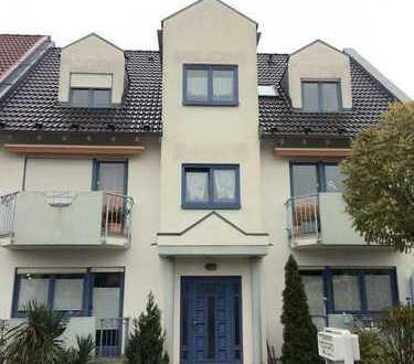Provisionsfrei - Gepflegte 2-Zimmer-Wohnung mit Balkon und Einbauküche in Schwetzingen Schälzig