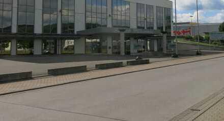 große Gewerbeimmobilie Immobilie in Schwallungen gepflegte Einzelhandelsflächen - -