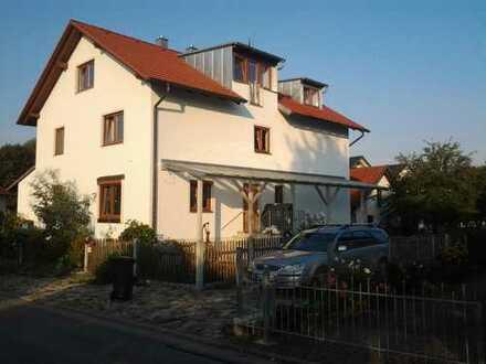 Freundliche, geräumige 2 Zimmer Wohnung in Pfettrach, Altdorf