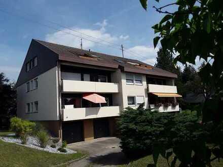 3- Zimmer-Dachgeschoss-Wohnung in schöner Aussichtslage