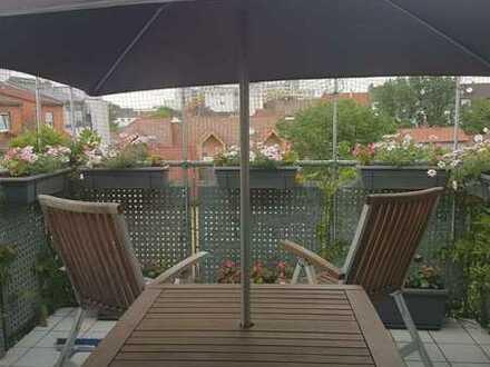 Schöne 3-ZKB-DG Wohnung, mit Balkon ins Grüne, Hauswirtschaftsraum und Gäste-WC