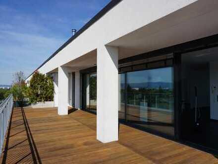 Moderne Penthouse Wohnung mit großer Dachterrasse und einmaligem Blick