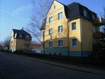 Single-Wohnung mit Balkon in Stadtvilla