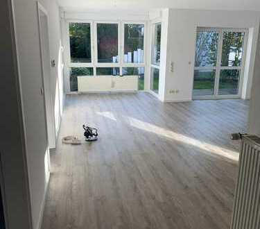 Vollständig renovierte 3-Zimmer-Erdgeschosswohnung mit Balkon und EBK in Ritterhude