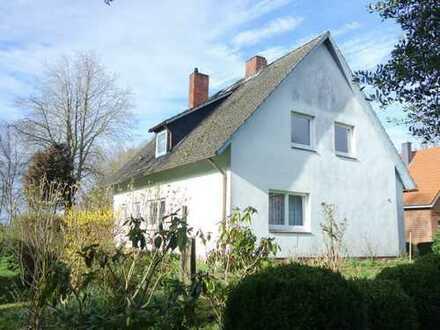 Einfamilienhaus mit großem Grundstück in Geversdorf