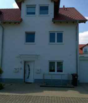 Neuwertige 5-Zimmer-EG-Wohnung mit großzügiger Terrasse und EBK in Limburgerhof