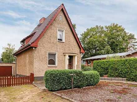 Einfamilienhaus mit Nebengelasse auf großem Grundstück!