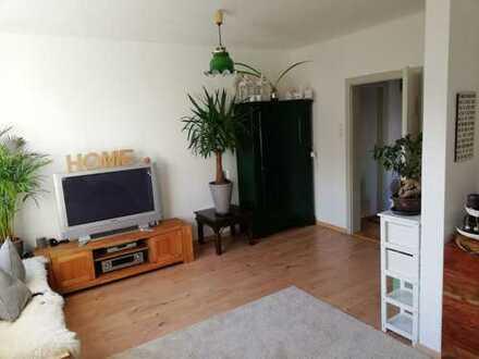 Modernisierte Doppelhaushälfte in Stadtnähe mit sechs Zimmern in Nördlingen (Donau-Ries)