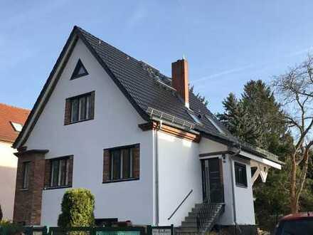 Modernisiertes Einfamilienhaus im Erstbezug mit Einliegerwohnung im grünen Waidmannslust