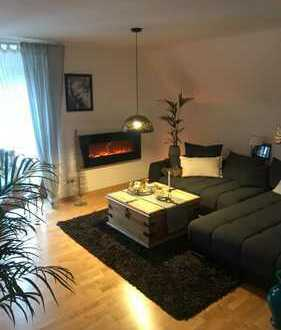 Wunderschöne 3-Zimmer-Dachgeschosswohnung mit Balkon und Einbauküche in Donauwörth
