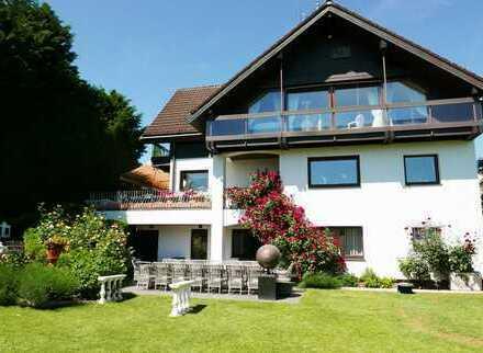 Attraktive, großzügige Villa in Toplage von Hofheim am Taunus, von privat zu verkaufen