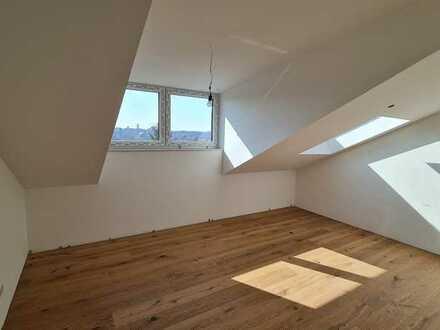 Neubau Dachgeschosswohnung mit toller Lage/schöner Aussicht/Aufzug/Fußbodenheizung