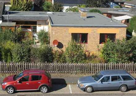 Lechenich, Bungalow-Wohnung 5 ZKD, 2 Bäder, 125m², Garten, Garage, Terrasse, Keller, provisionsfrei