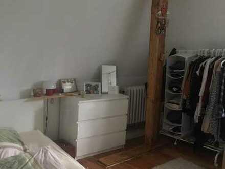 nettes charmantes Zimmer in schöner Altbau Wohnung mit Hund