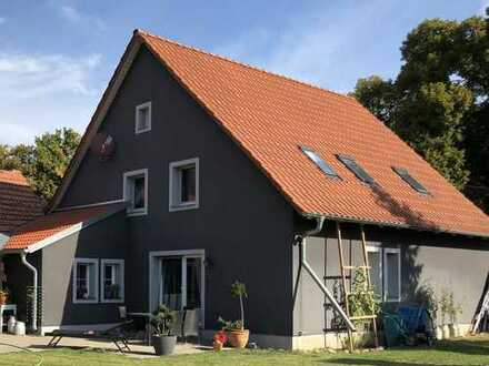 Haus, 5-6 Zimmer, 180 qm, sehr ländlich in idyllischem Straßendorf